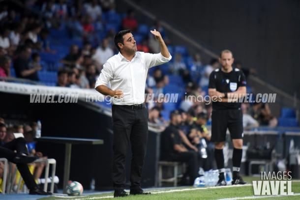 Gallego, dirigiendo al equipo en Europa League | Foto: VAVEL