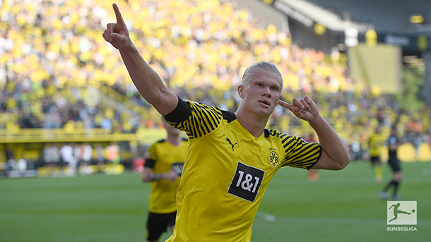 Haaland festeja su segunda anotación / foto: @Bundesliga_EN