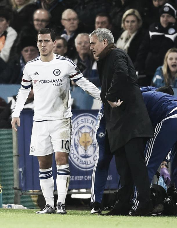 Hazard and Mourinho talk in Jose's last game | Daily Star