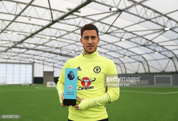 Eden Hazard won October's player of the month, his manager Conte won manager of the month too | Photo: GettyImages/Christopher Lee