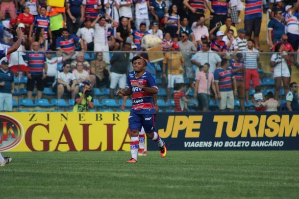 Edinho comemora seu gol | Foto: Leonardo Moreira/Fortaleza EC
