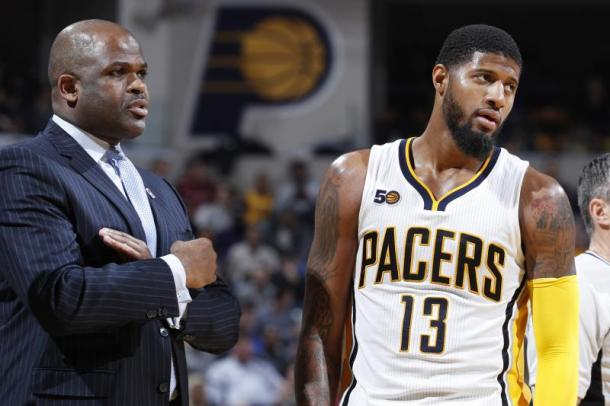 Nate McMillan e Paul George. Fonte: Joe Robbins/Getty Images