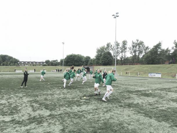 Hibernian warm up ahead of their game against Boroughmuir Thistle. Photo: Hibernian's Twitter @HibsLadies