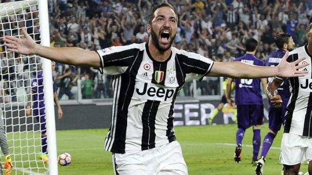 Napoli-Juve, Higuain coperto di fischi. Hamsik segna il pareggio
