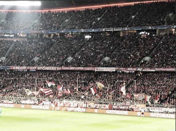 Una de las postales de los fanáticos alemanes | Foto: @FCBayernES