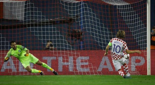 Modric abriu o placar em cobrança de pênalti   Foto: Srdjan Stevanovic/Getty Images
