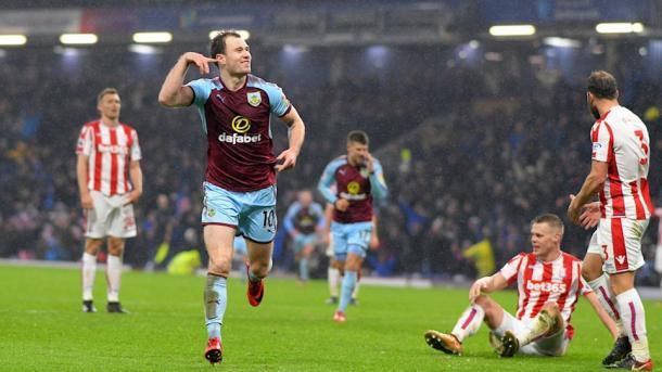 Barnes celebra su gol ante el Stoke City | Fotografía: Burnley