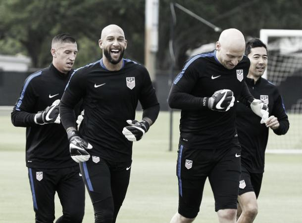 Tim Howard trains with the United States ahead of their double header against Guatemala. | Photo: AP Photo/Marta Lavandier