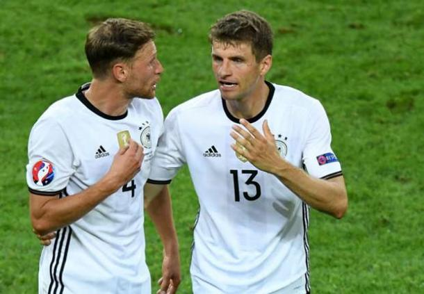 Höwedes and Müller during Euro 2016. | Photo: Goal/Getty
