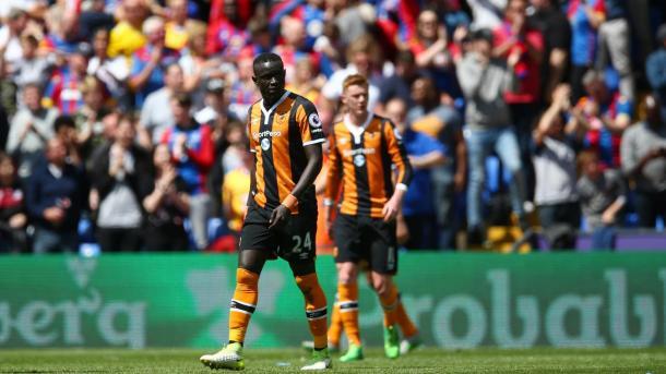 La delusione dei giocatori dell'Hull retrocessi matematicamente, www.premierleague.com