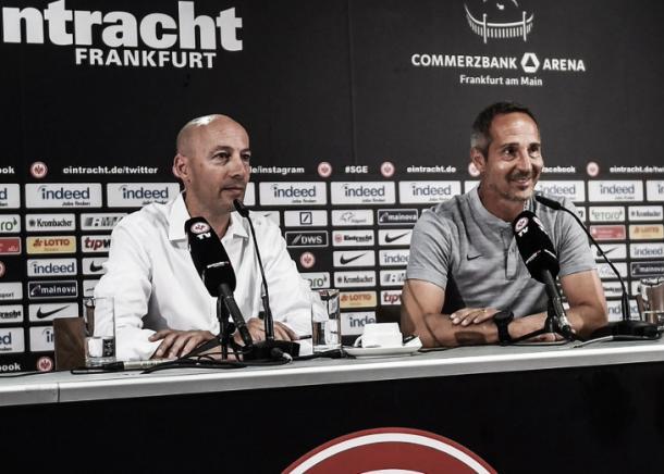 Hütter en conferencia de prensa | Foto: @eintracht_esp