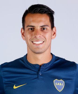 Lucas Delgado llegó a participar de un ensayo formal de fútbol en un entrenamiento, marcó un gol en la primera pelota que tocó pero sintió una molestia en el isquiotibial derecho y debió abandonar el campo de juego. Foto | Prensa Boca Juniors
