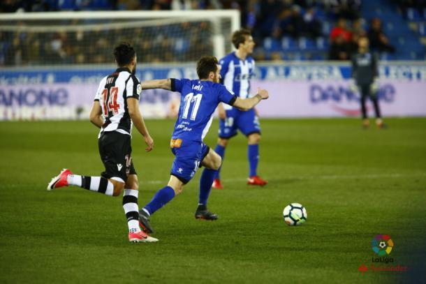 Ibai Gómez, autor del lanzamiento de la falta que remataba Laguardia para poner el 1-0. Fuente: deportivoalaves.com