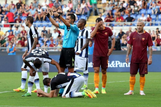 Heurtaux sustained his injury clashing heads with Strootman | photo: messageroveneto.it