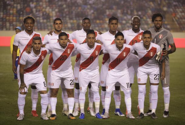 A equipe peruana unida na vitória por 1 a 0 contra a Costa Rica (Foto: Divulgação/Federação Peruana)