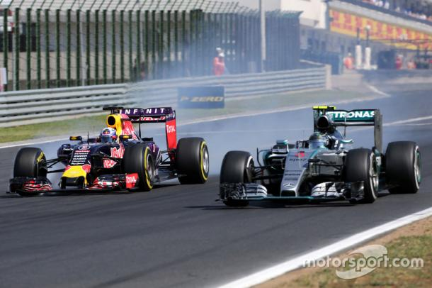 Turn 1 is the prime overtaking spot, although collisons are not uncommon (Image Credit Motorsport.com)