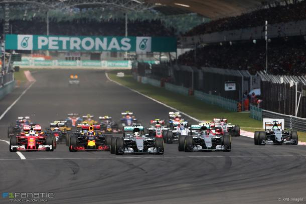 The fact that MotoGP is more popular than F1 at Sepang means the plug could be pulled on the four-wheels. (Image Credit: F1 Fanatic/XPB Images)