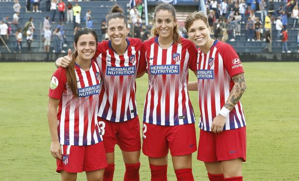 Las debutantes del Atlético Féminas, alegres tras el triunfo. Fuente: Atlético Féminas