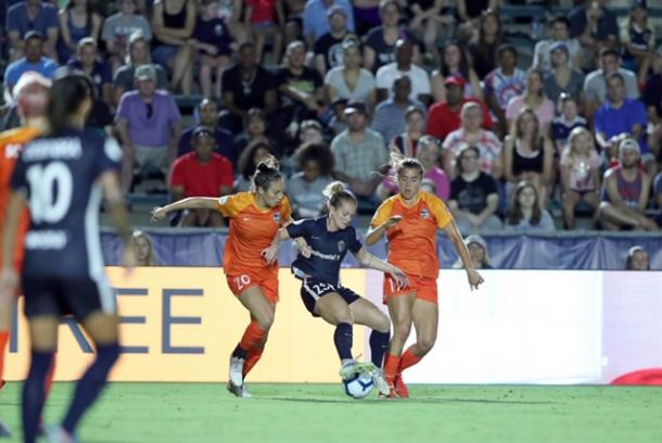 Kristen Hamilton (center) was recently called up to the senior USWNT. | Photo: isiphotos.com