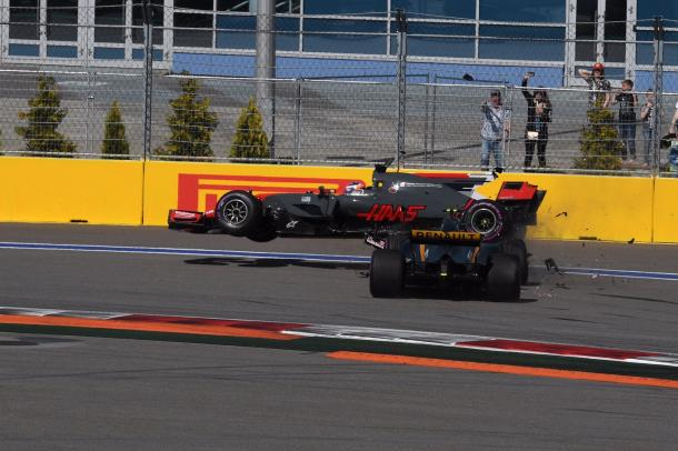 Grosjean and Palmer's bad start to the season went from bad to worse with a collision at Turn 2. (Image Credit: Sutton Images)
