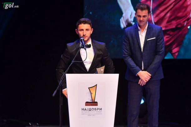 Bardhi recibe el Premio Jugador de Año (Foto: Levante UD)