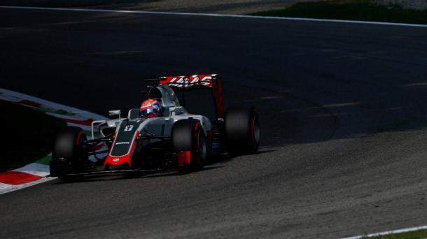 Romain Grosjean faces a grid penalty. | Photo: Sutton Images
