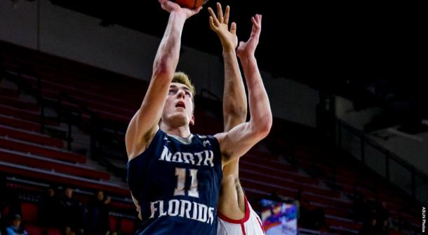 Sams drives to the basket in North Florida's win on Monday/Photo: Atlantic Sun conference