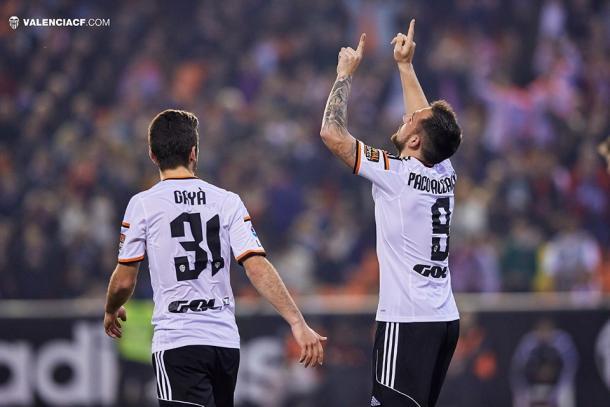 Alcacer celebrando su gol | Fuente: Valencia CF