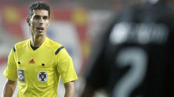 O Juiz Luís Ferreira irá apitar a partida desta noite | Foto: Record