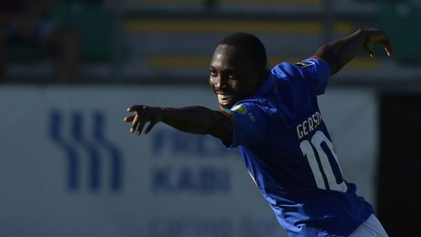 Gerso será uno de los titulares ante el FC Porto / www.osbelenenses.com