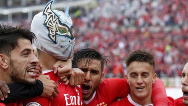 Raúl Jiménez y su peculiar celebración en la Taça   Foto: SL Benfica
