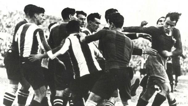 El derbi de la Calderilla fue uno de los más calientes de la historia | La Vanguardia
