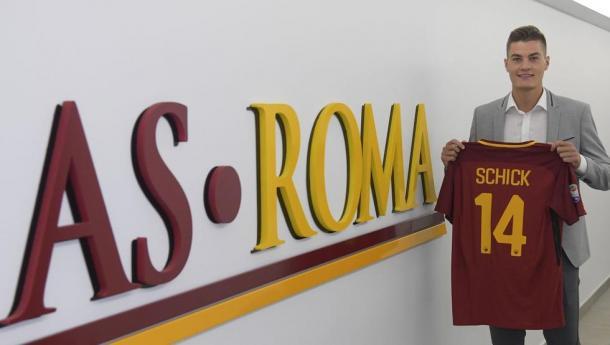 Schick en su presentación con la Roma