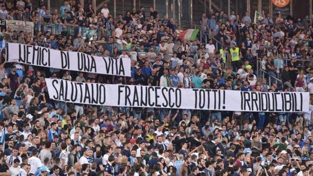 Foto: @effesiete / Hinchas de la Lazio