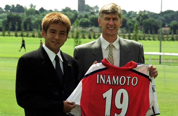 Inamoto signs for Arsenal | Photo: Arsenal.com