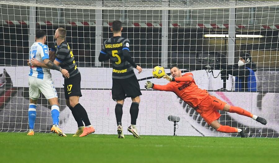 Goleiro da Internazionale, Handanovic foi peça fundamental para garantir a vitória interista   Foto: Divulgação/Internazionale