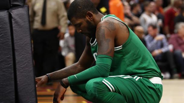 Il disappunto di Irving - Foto NBA.com