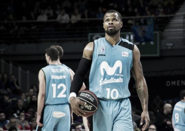 Omar Cook al frente | Club Estudiantes