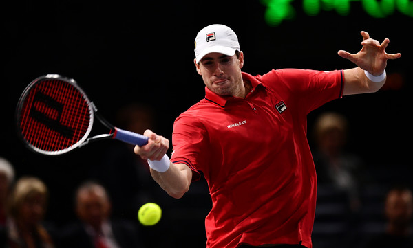 Isner in action against Sock on Day 5 of the BNP Paribas Masters in Paris (Photo by Dan Mullan / Getty Images)