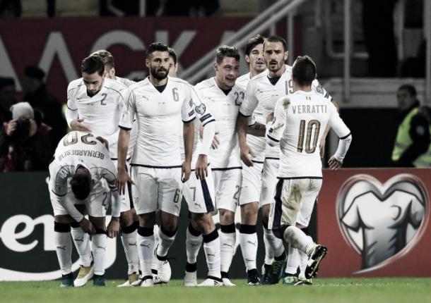 Los jugadores de Italia celebran un gol. | Foto: FIGC
