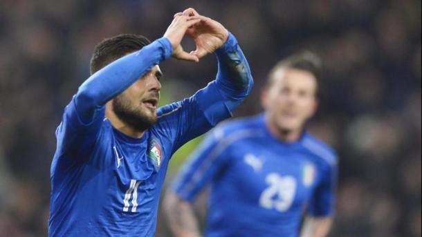 Lorenzo Insigne esulta dopo il gol alla Spagna. Bernardeschi sullo sfondo. Fonte. LaPresse.