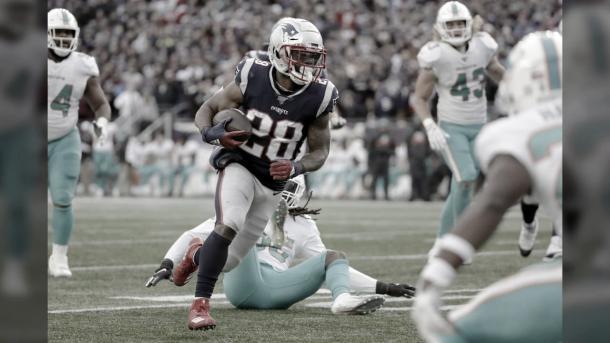El Rb James White  con us anotacion por aire había puesto en ventaja a los Patriots (foto Patriots.com)