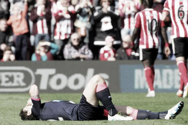 Daryl Janmaat will miss Saturday's game | Photo: Getty