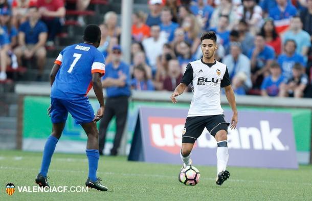 Javi Jimenez está siendo el central mas seguro y solvente de la pretemporada. Fuente : Valencia CF