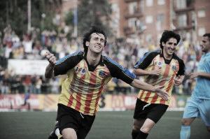 Lanzarote, celebrando un gol con la UE Sant Andreu | Foto: flamaiginesta.com
