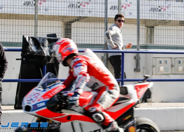 Andrea Dovizioso y Marc Márquez en el pit lane (Foto: Circuito de Jerez)