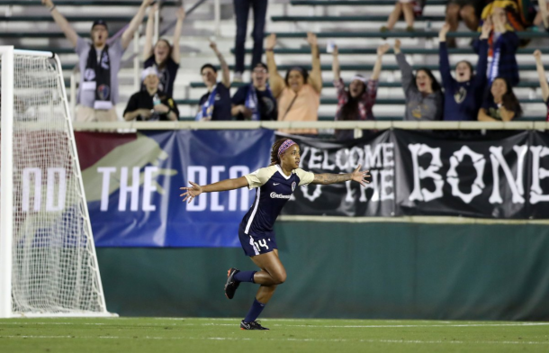 Jess McDonald celebrates after scoring the go-ahead goal for the second consecutive home match. | Photo: @ReignFC