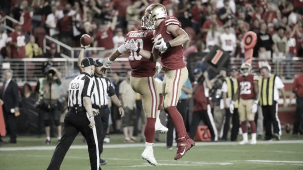 Jimmy Garoppolo y George Kitles deberán mejorar su rendimiento (foto 49ers.com)