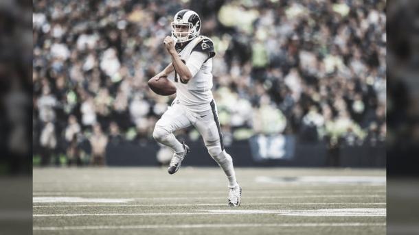 Jared Goff deberá mejor su labor para salir victorioso del juego del domingo (foto Rams,com)