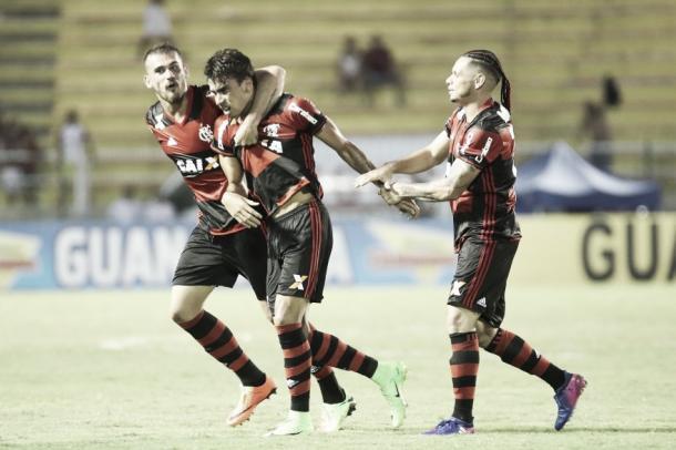 Paquetá se emociona na comemoração do seu primeiro gol como profissional (Foto: Gilvan de Souza / Flamengo)